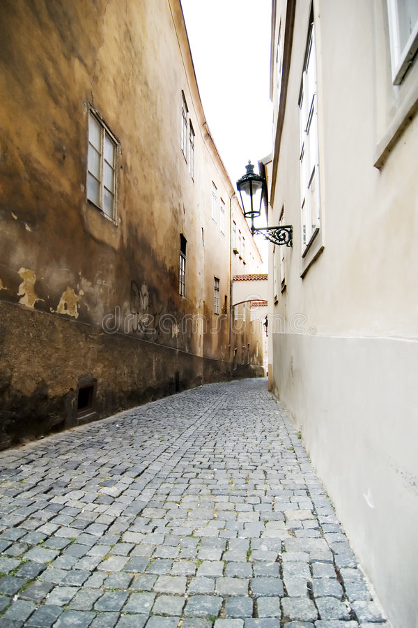 Rua pequena - Praga fotografia de stock royalty free