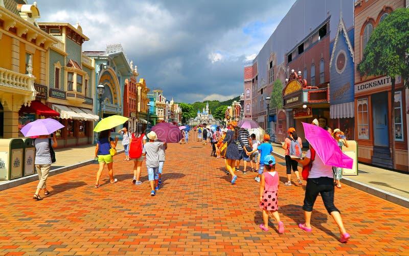 Rua principal de Hong Kong Disneylândia fotos de stock