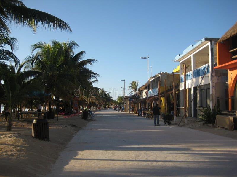 Rua principal Mahahual Costa Maya Quintana Roo Mexico imagem de stock