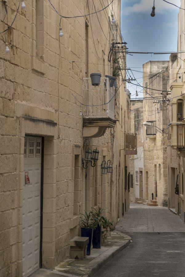 Rua secundária em Rabat Malta imagens de stock royalty free