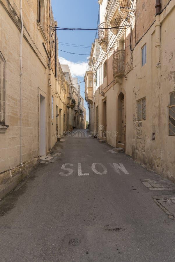 Rua secundária em Rabat Malta foto de stock