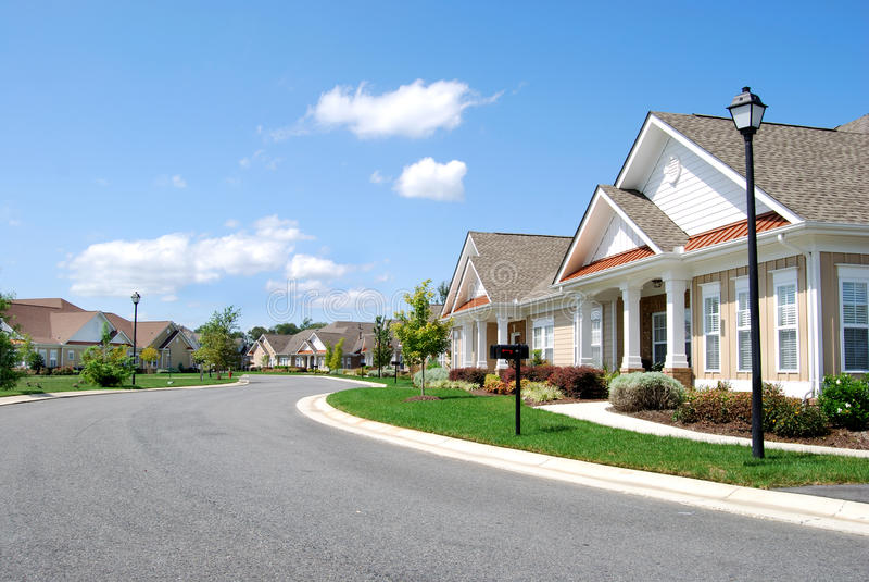 Rua suburbana imagens de stock