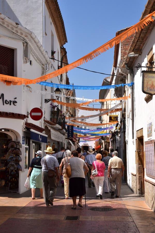 Rua em Tossa de Mar, Catalonia, Spain fotos de stock