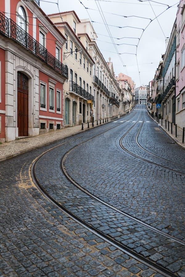 Rua vazia em Lisboa, Portugal imagem de stock royalty free