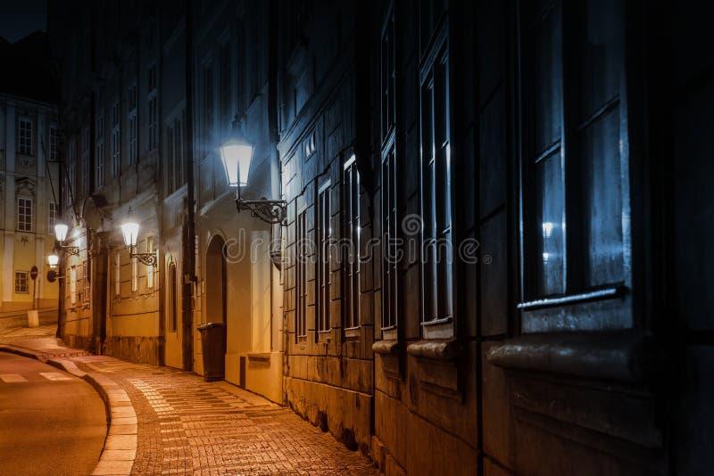 Rua velha da cidade de Praga fotografia de stock royalty free