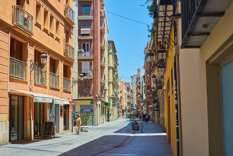 A rua viajou por turistas em Valência Valen?a, Spain fotos de stock