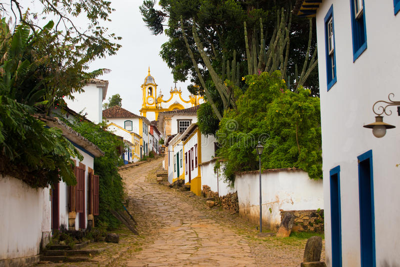 Ruas da cidade histórica Tiradentes Brasil foto de stock royalty free