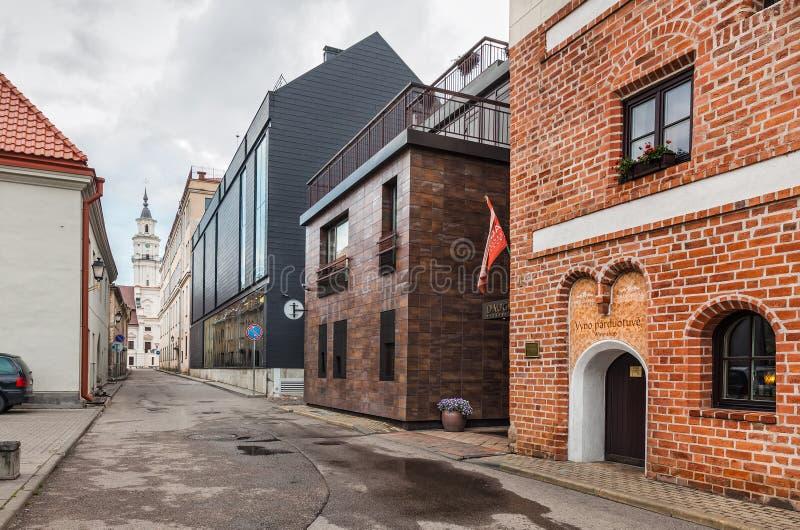 Ruas da cidade velha de Kaunas fotos de stock