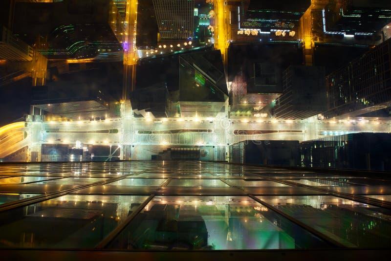 Ruas da noite de Chicago foto de stock royalty free