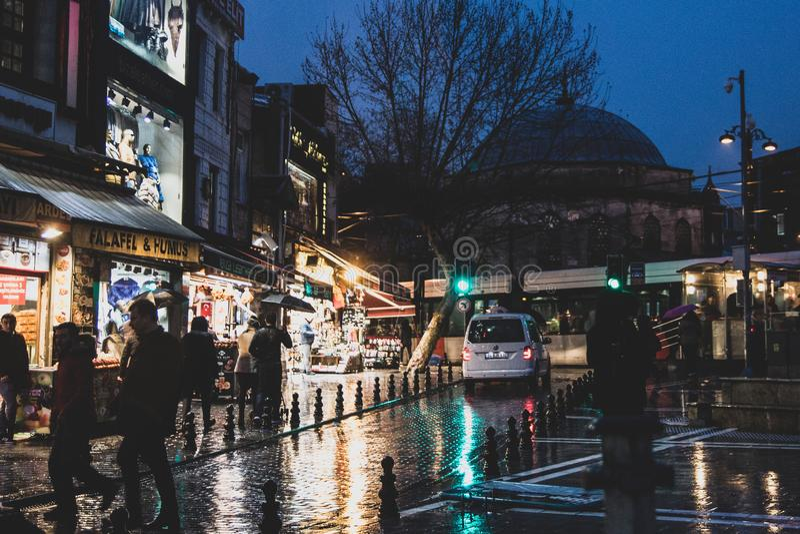 Ruas de Istambul perto do bazar grande imagens de stock royalty free