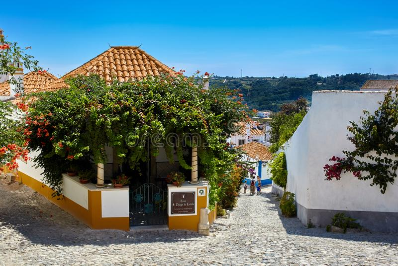 Ruas de Obidos bonito, Portugal imagens de stock