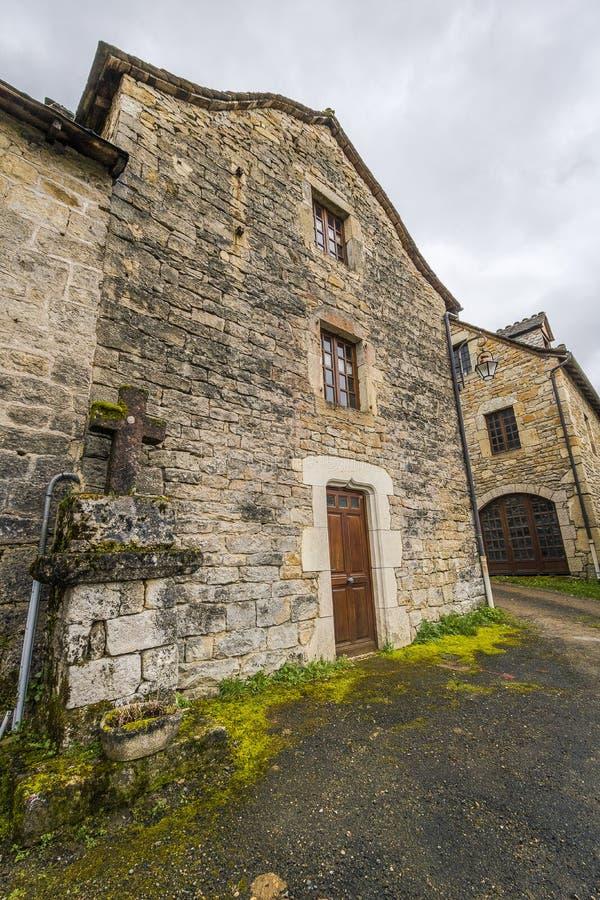 Ruas de Saint Saturin de Tartaronne, França foto de stock royalty free