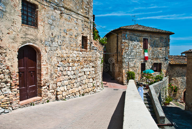 Ruas de San Gimignano, marco imagens de stock