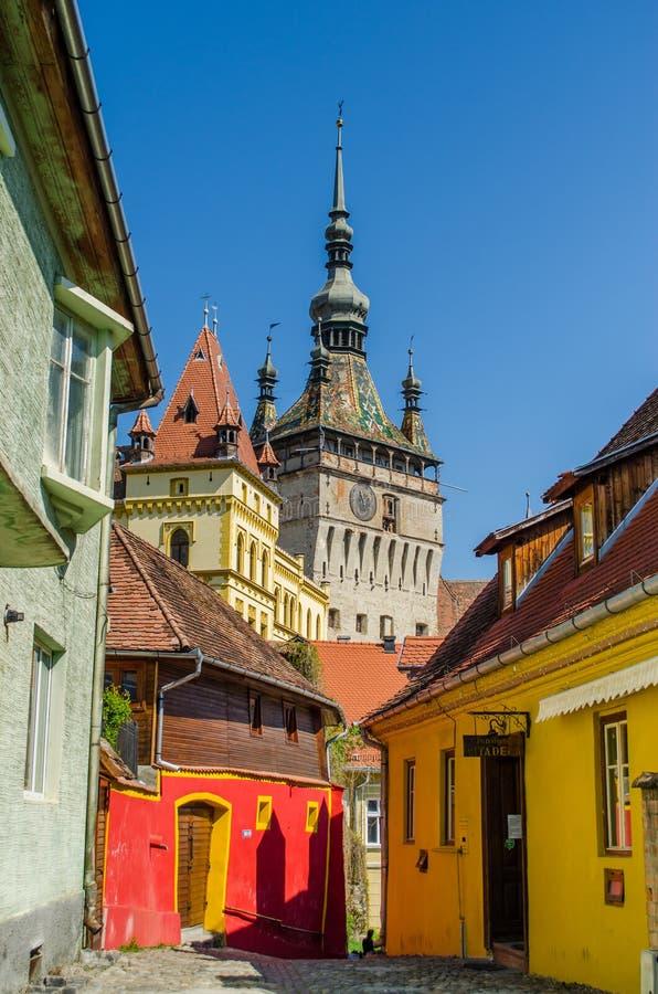 Ruas de Sighisoara, fortaleza medieval, a Transilvânia, condado de Mures, Romênia imagens de stock royalty free