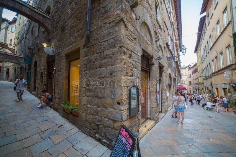 Ruas de Volterra foto de stock