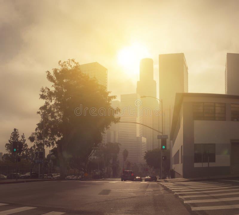 Ruas e arranha-céus de Los Angeles do centro imagem de stock