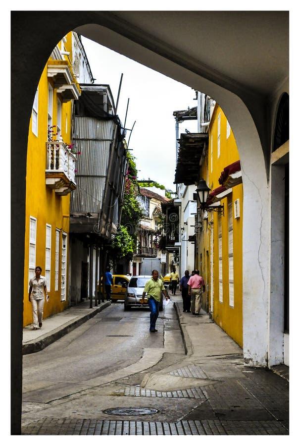 ruas e balcões em Cartagena imagens de stock