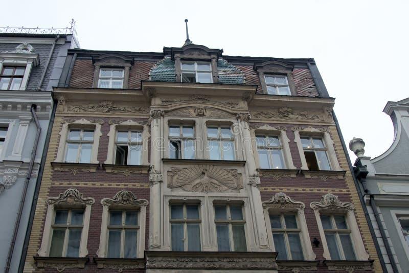 Ruas e casas de encantamento de Riga velho fotografia de stock