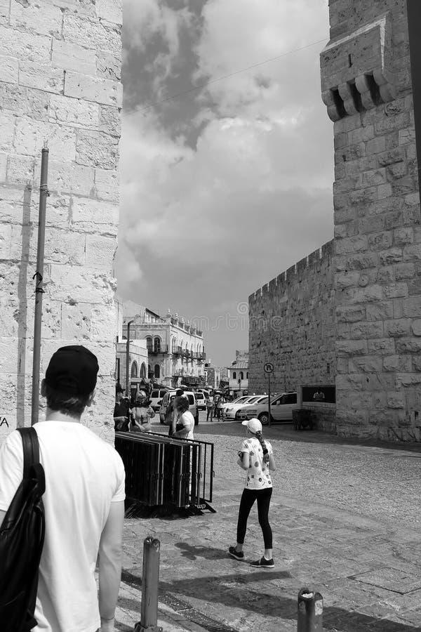 Ruas e construções antigas na cidade velha do Jerusalém perto da porta de Jaffa fotos de stock royalty free