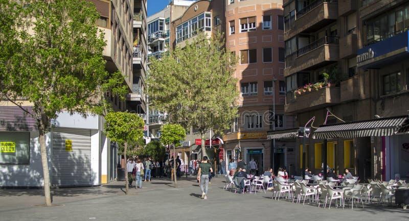 Ruas e construções no centro históricas da cidade de Múrcia foto de stock royalty free