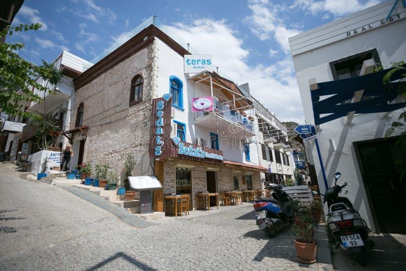 Ruas estreitas da cidade de Kalkan em Turquia foto de stock