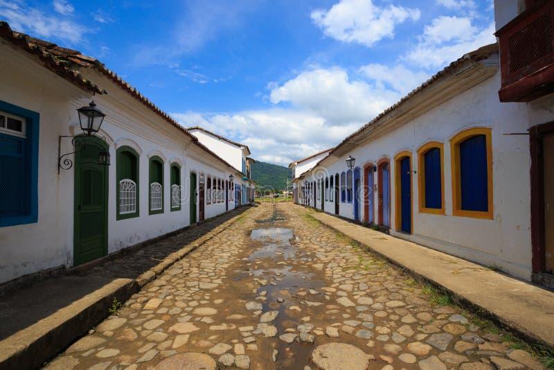 Ruas no centro histórico de Parati, Brasil imagens de stock royalty free