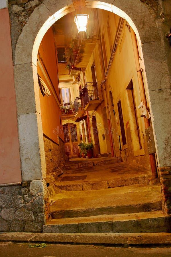 Ruas pequenas da curva de Italy imagens de stock