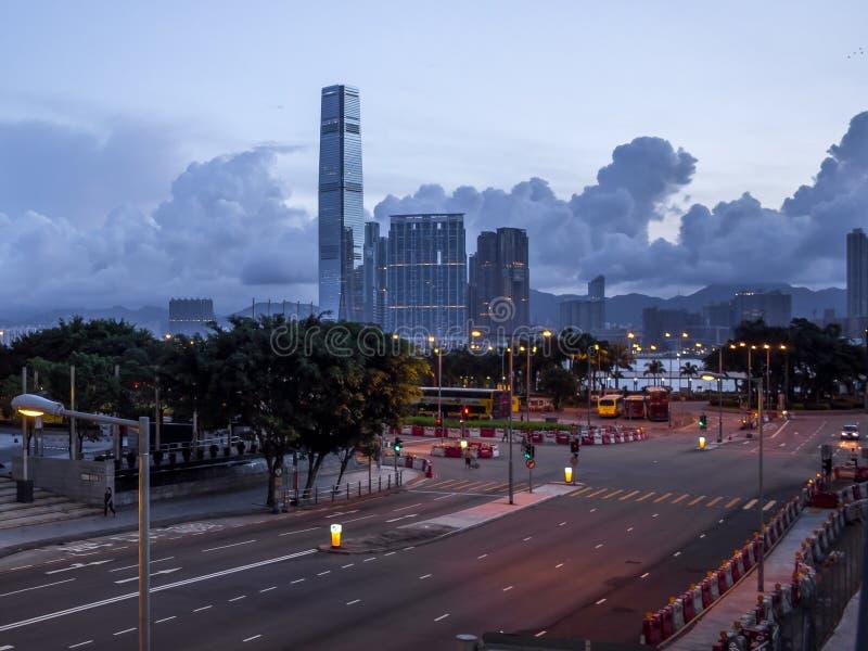 Ruas vazias no amanhecer de Hong Kong imagens de stock