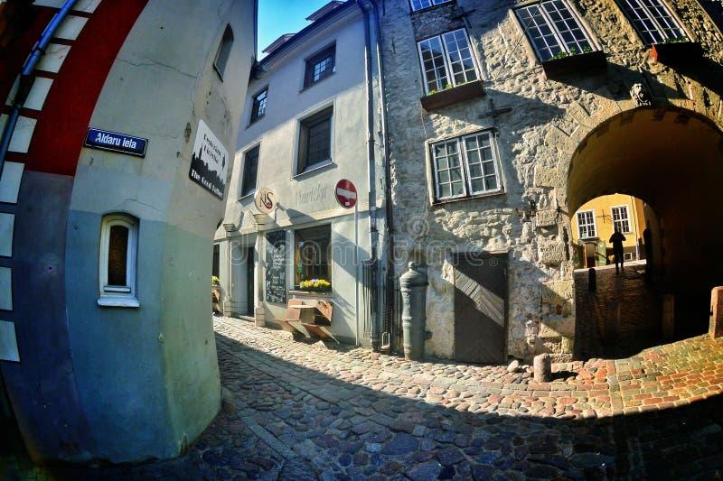 Ruas velhas de Riga fotos de stock royalty free