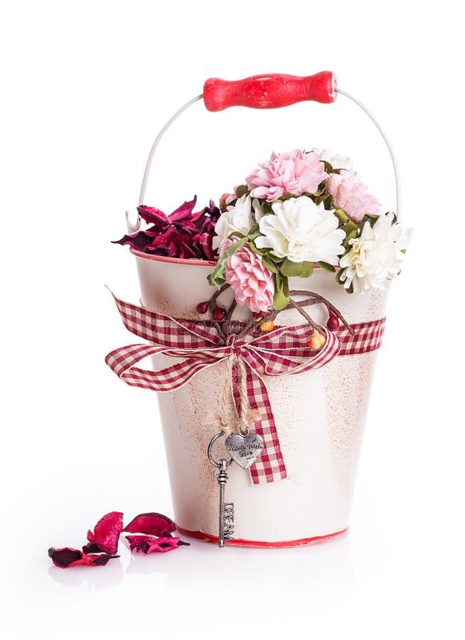 Ruban d'arc de boîte-cadeau de fleurs image libre de droits