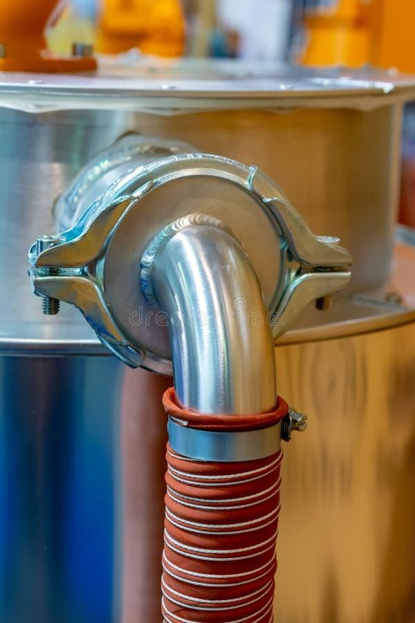 Rubber hydraulische die slangen, met industrieel materiaal worden verbonden stock afbeelding