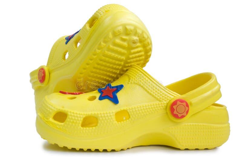 rubber s sandalsyellow för unge arkivbilder