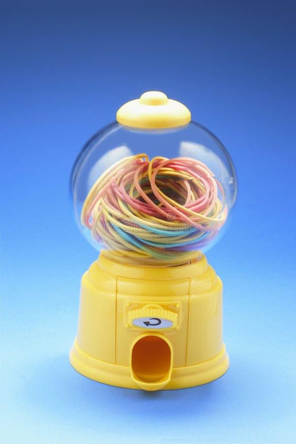Rubberbands dans la machine de Bubblegum image stock