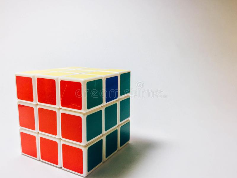 Rubik在白色背景的` s立方体 库存照片