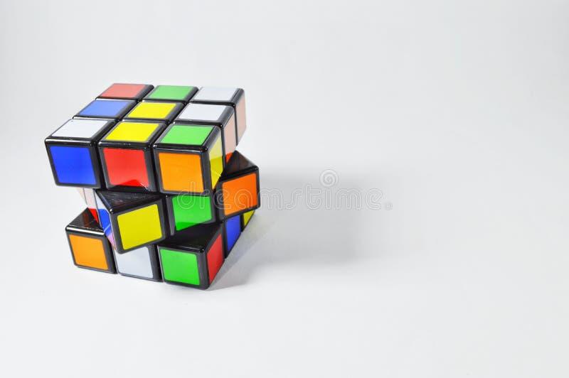 Rubik在白色背景的` s立方体 免版税库存照片