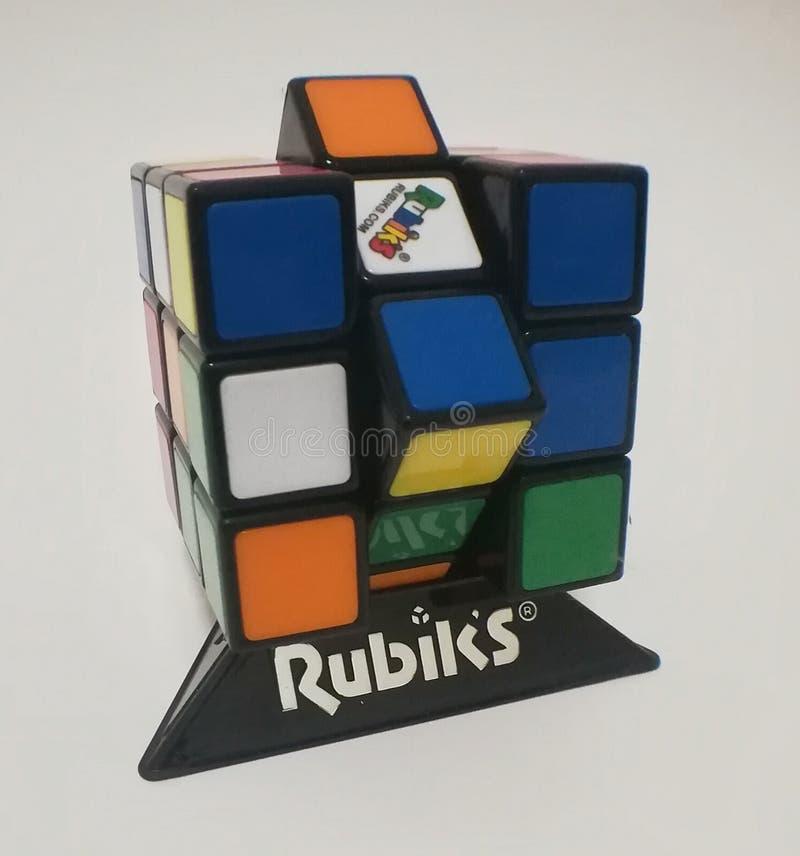 Rubik& x27; s-kub royaltyfria bilder