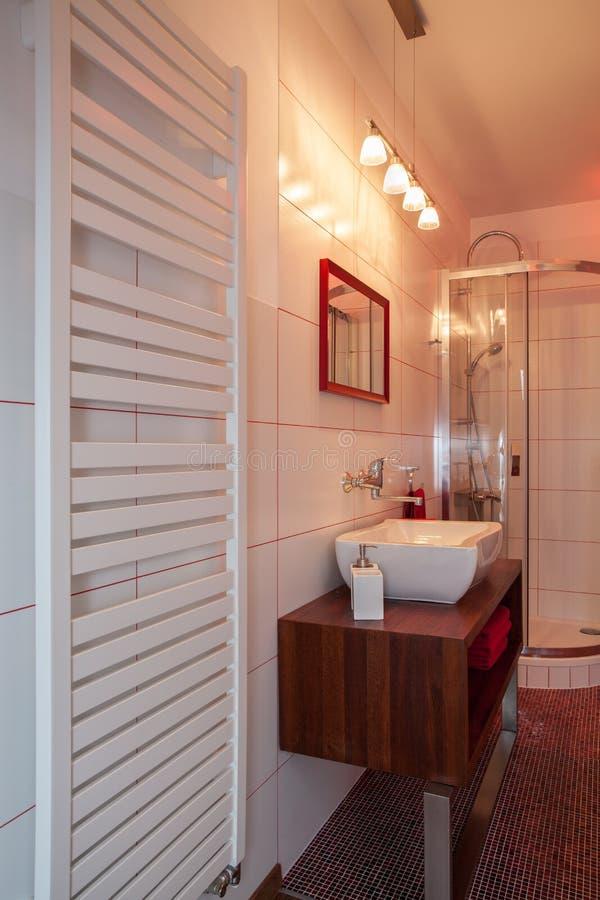 Rubinu dom nagrzewacz, obmycie basen i prysznic -, obraz royalty free