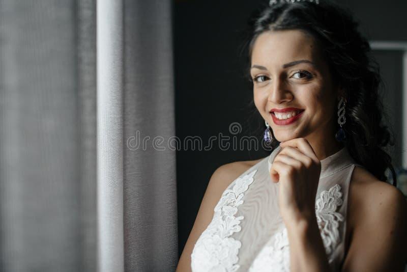 Rubio joven en alineada de boda foto de archivo