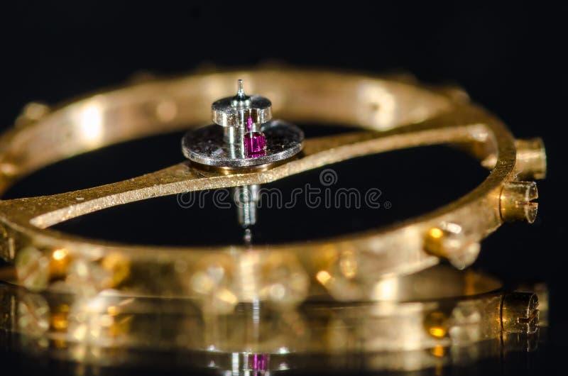Ruby Impulse Roller Jewel Installed na roda de equilíbrio fotografia de stock