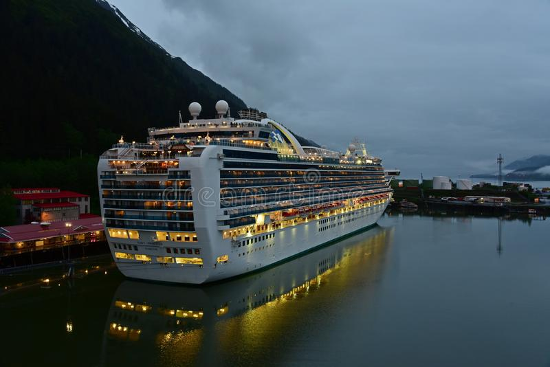 Ruby Princess in Juneau Alaska stock afbeelding