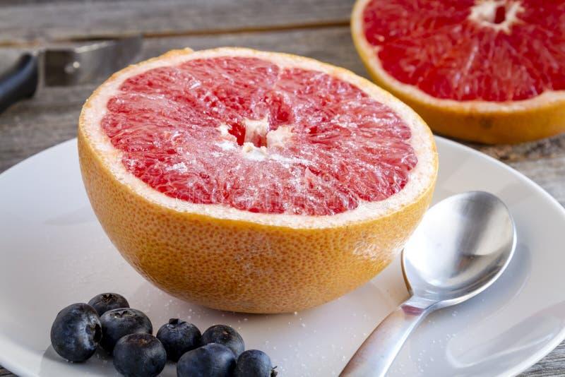 Ruby Red Grapefruit orgánico fresco fotos de archivo libres de regalías