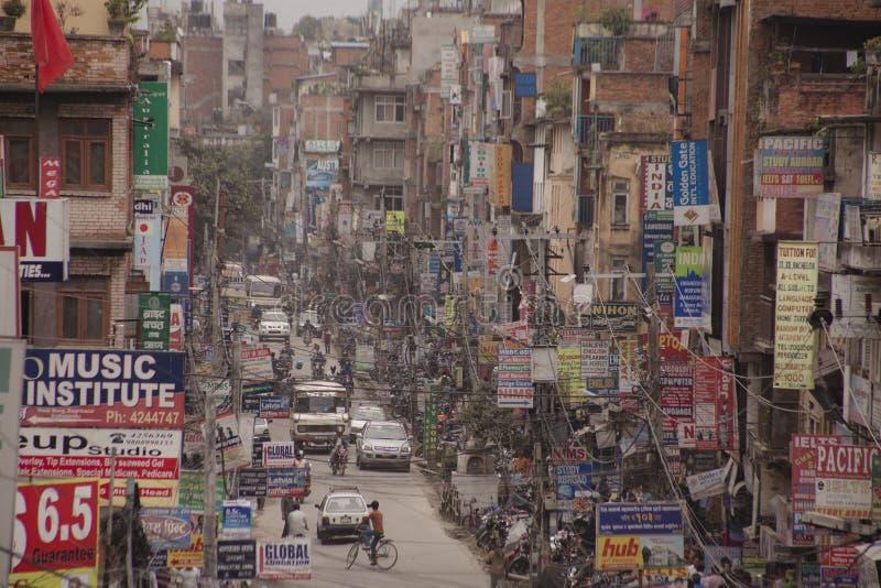 Ruch drogowy dżem i zanieczyszczenie powietrza w środkowym Kathmandu obraz royalty free