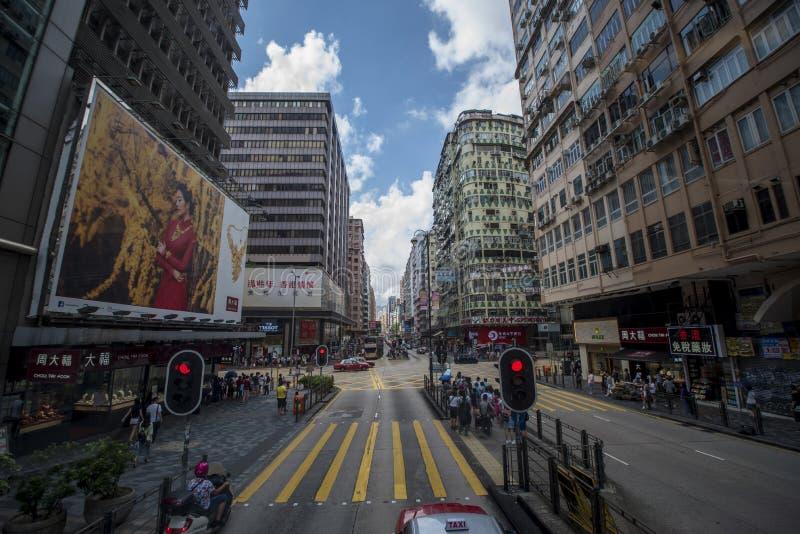 Ruch drogowy jest rzadkopłynny na Nathan drodze w Kowloon, Hong Kong zdjęcia stock