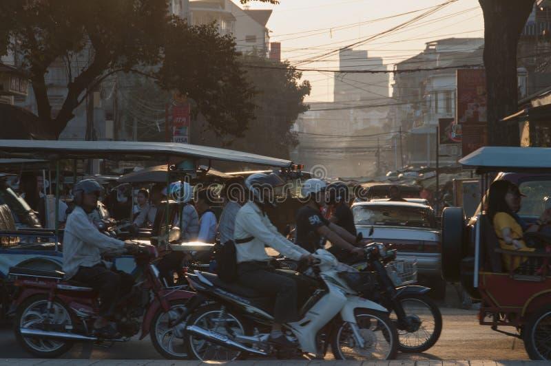 Ruch drogowy w Phnom Penh, Kambodża fotografia royalty free