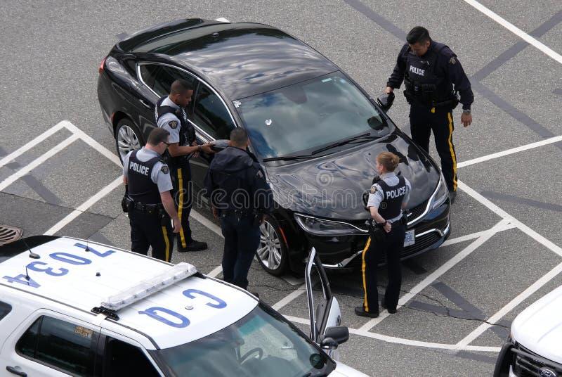 Ruch milicyjny łapanie skradziony samochód przy parking fotografia royalty free