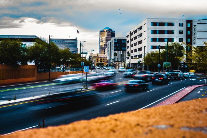 Ruch plamy fotografia samochody wchodzi Tuscon, Arizona zdjęcia stock