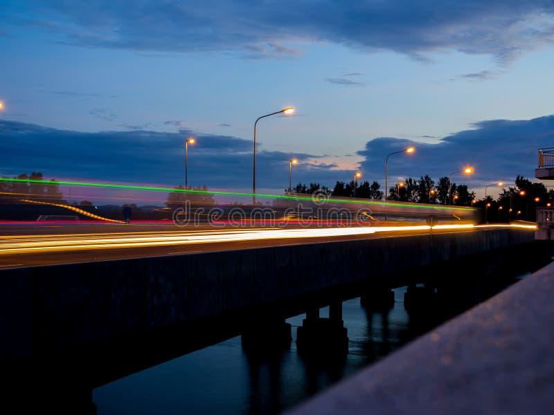 Ruch prędkości światło od poruszającego samochodu fotografia royalty free