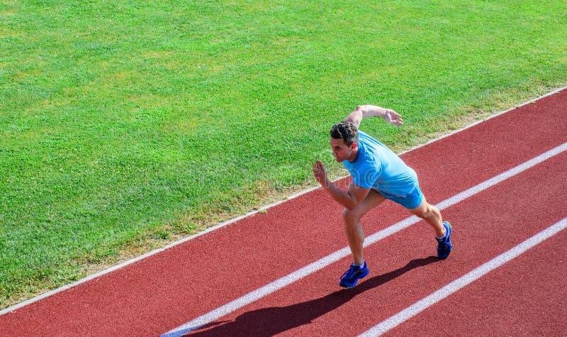 ruchu biegacz Wiele biegacze jak wyzwanie przedłużyć ich wytrzymałość bez musieć robić stażowy koniecznemu zdjęcie royalty free