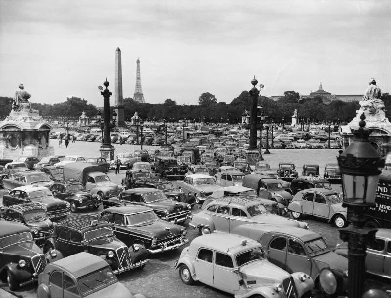 Ruchu drogowego dżem w Paryskim Francja (Wszystkie persons przedstawiający no są długiego utrzymania i żadny nieruchomość istniej obrazy stock