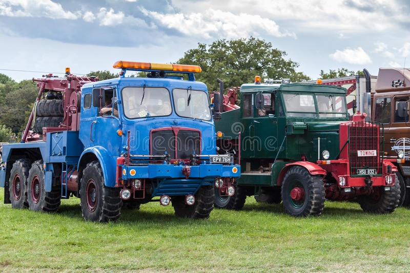 RUDGWICK, SUSSEX/UK - AUGUST 27 : Old trucks on display at the R. Udgwick Steam fair in Rudgwick Sussex on August 27, 2011 stock photography